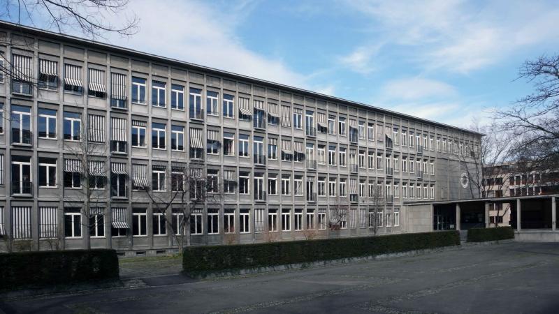 GymnasiumKirschgartenInnenhof